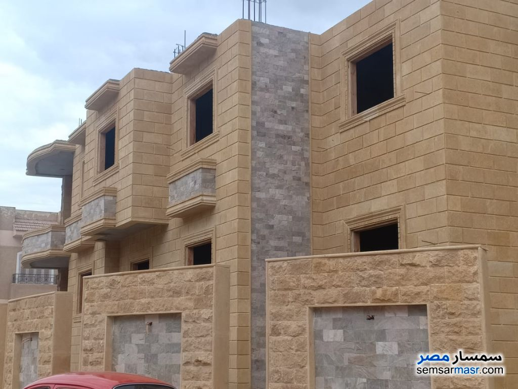 Ad Photo: Villa 3 bedrooms 2 baths 175 sqm semi finished in El Ubour City  Qalyubiyah