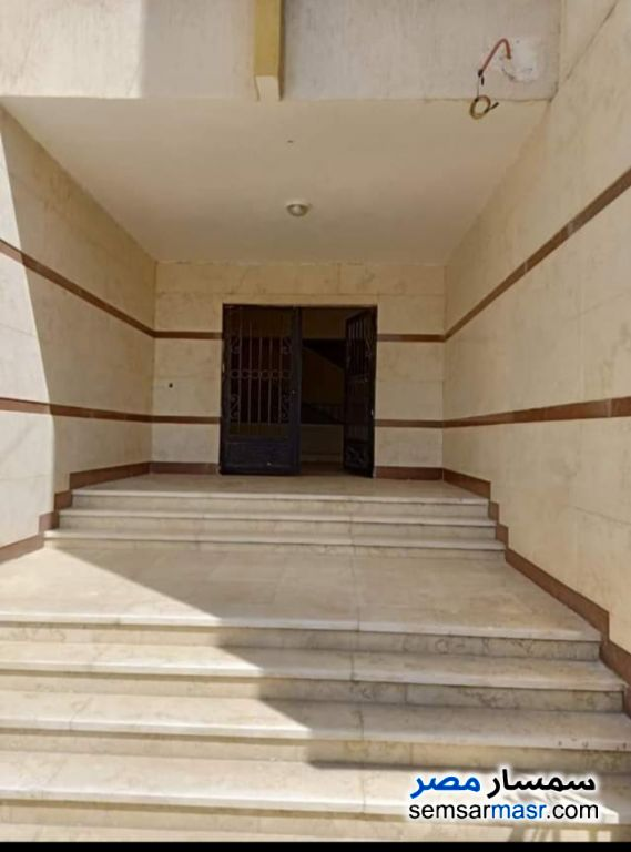 Ad Photo: Apartment 2 bedrooms 1 bath 134 sqm semi finished in Qalyubiyah