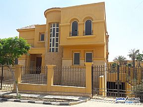 Ad Photo: Villa 5 bedrooms 5 baths 840 sqm semi finished in Fifth Settlement  Cairo