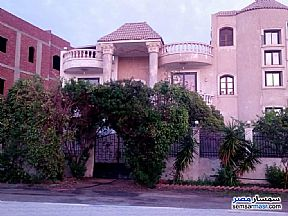 Villa 4 bedrooms 3 baths 800 sqm super lux For Sale Shorouk City Cairo - 1