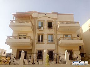 Ad Photo: Villa 3 bedrooms 2 baths 250 sqm semi finished in Shorouk City  Cairo