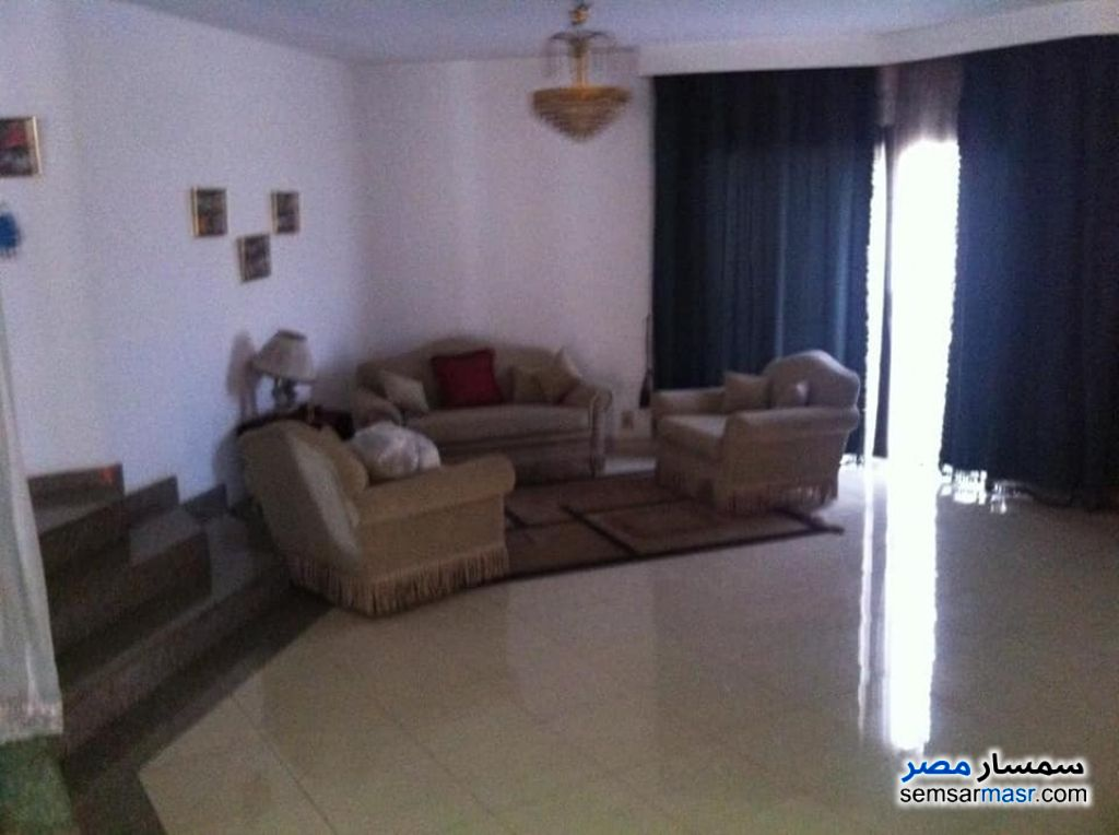 Ad Photo: Villa 10 bedrooms 6 baths 1200 sqm extra super lux in Egypt