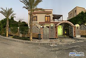 Ad Photo: Villa 3 bedrooms 3 baths 900 sqm extra super lux in Shorouk City  Cairo