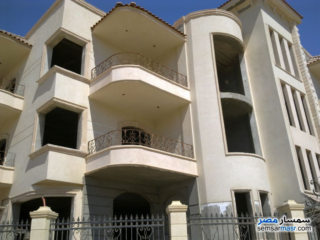 Photo 1 - Villa 12 bedrooms 8 baths 1,400 sqm semi finished For Sale First Settlement Cairo