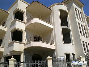 Ad Photo: Villa 12 bedrooms 8 baths 1400 sqm semi finished in First Settlement  Cairo