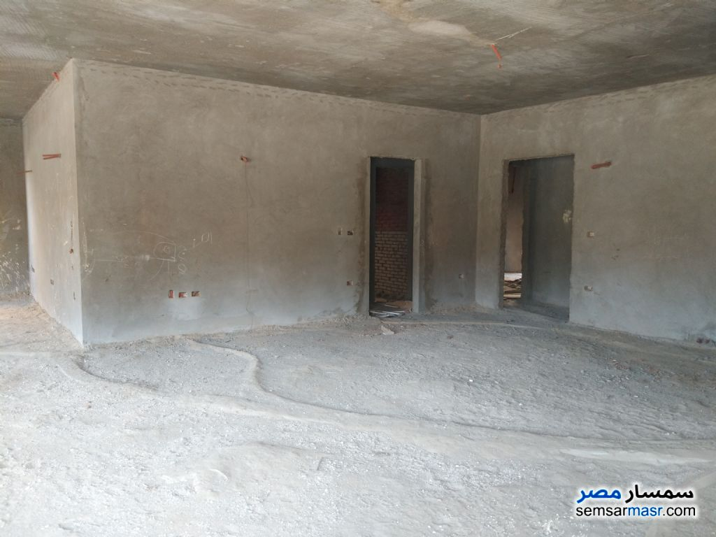 Photo 10 - Villa 12 bedrooms 8 baths 1,400 sqm semi finished For Sale First Settlement Cairo