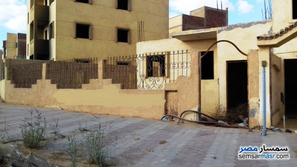 Villa 3 bedrooms 2 baths 205 sqm without finish For Sale October Gardens 6th of October - 1