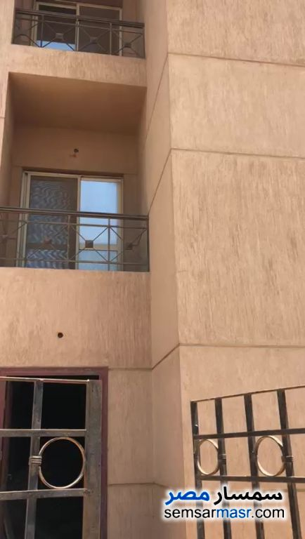 Ad Photo: Villa 4 bedrooms 5 baths 270 sqm semi finished in Giza District  Giza