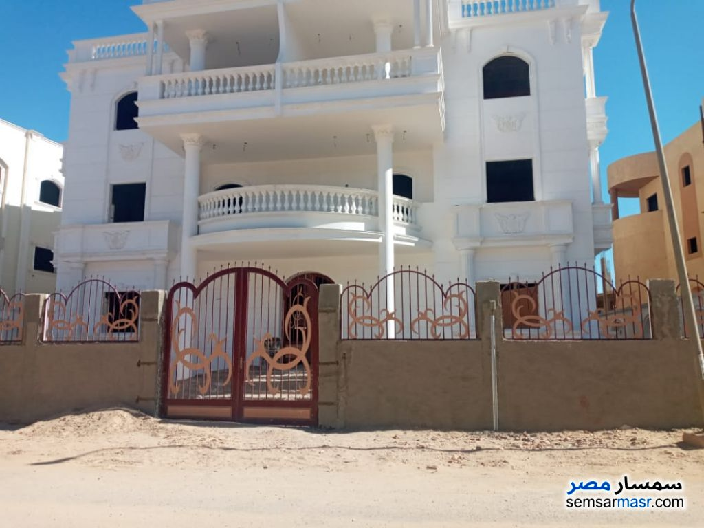 Ad Photo: Villa 6 bedrooms 2 baths 600 sqm without finish in Egypt