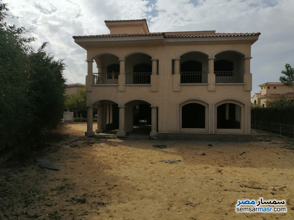 Photo 1 - Villa 4 bedrooms 4 baths 689 sqm without finish For Sale Madinaty Cairo