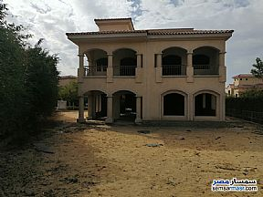 Ad Photo: Villa 4 bedrooms 4 baths 689 sqm without finish in Madinaty  Cairo