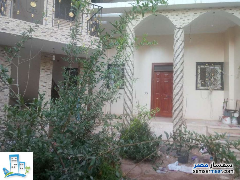 Ad Photo: Villa 8 bedrooms 4 baths 324 sqm in Haram  Giza