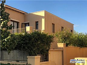 Ad Photo: Villa 3 bedrooms 3 baths 450 sqm in Fifth Settlement  Cairo