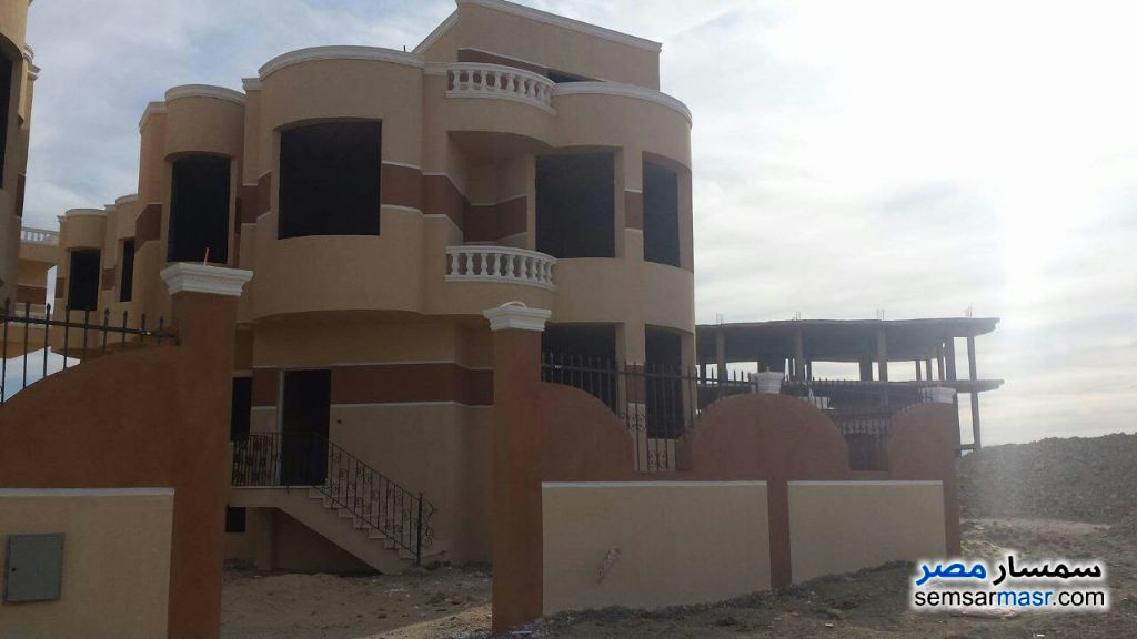Ad Photo: Villa 4 bedrooms 5 baths 175 sqm without finish in Hurghada  Red Sea
