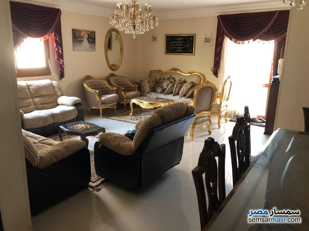 Ad Photo: Villa 11 bedrooms 7 baths 600 sqm extra super lux in El Ubour City  Qalyubiyah