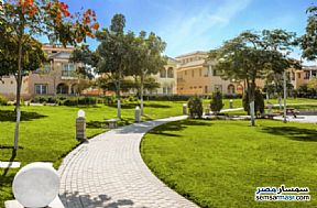 Ad Photo: Villa 4 bedrooms 5 baths 275 sqm semi finished in Fifth Settlement  Cairo