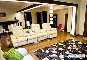 Villa 3 bedrooms 3 baths 500 sqm extra super lux For Rent Madinaty Cairo - 2