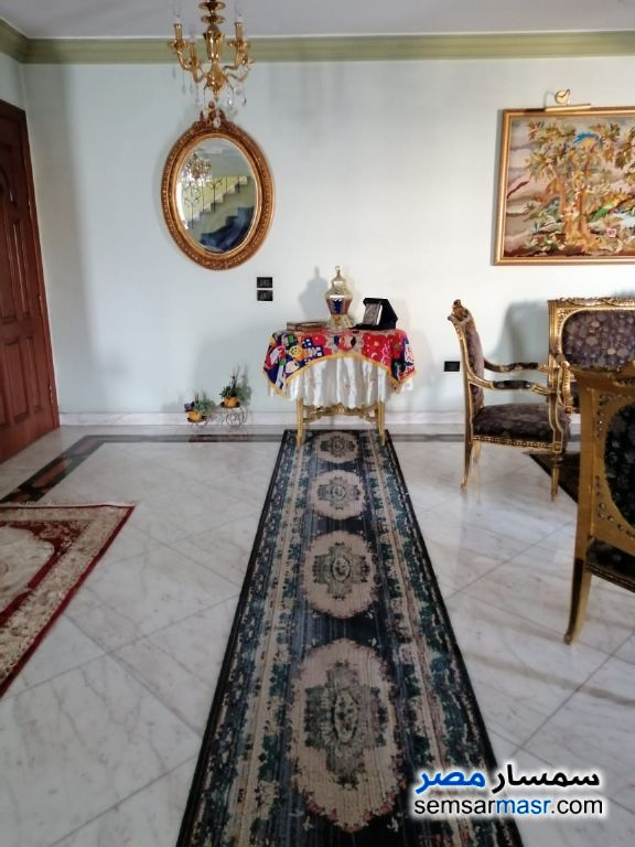 Ad Photo: Apartment 6 bedrooms 5 baths 500 sqm extra super lux in Nasr City  Cairo