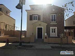 Ad Photo: Villa 6 bedrooms 5 baths 575 sqm extra super lux in First Settlement  Cairo