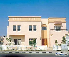 Ad Photo: Villa 4 bedrooms 4 baths 237 sqm extra super lux in Rehab City  Cairo