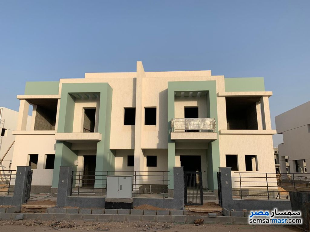 Photo 10 - Villa 3 bedrooms 3 baths 400 sqm without finish For Sale Madinaty Cairo