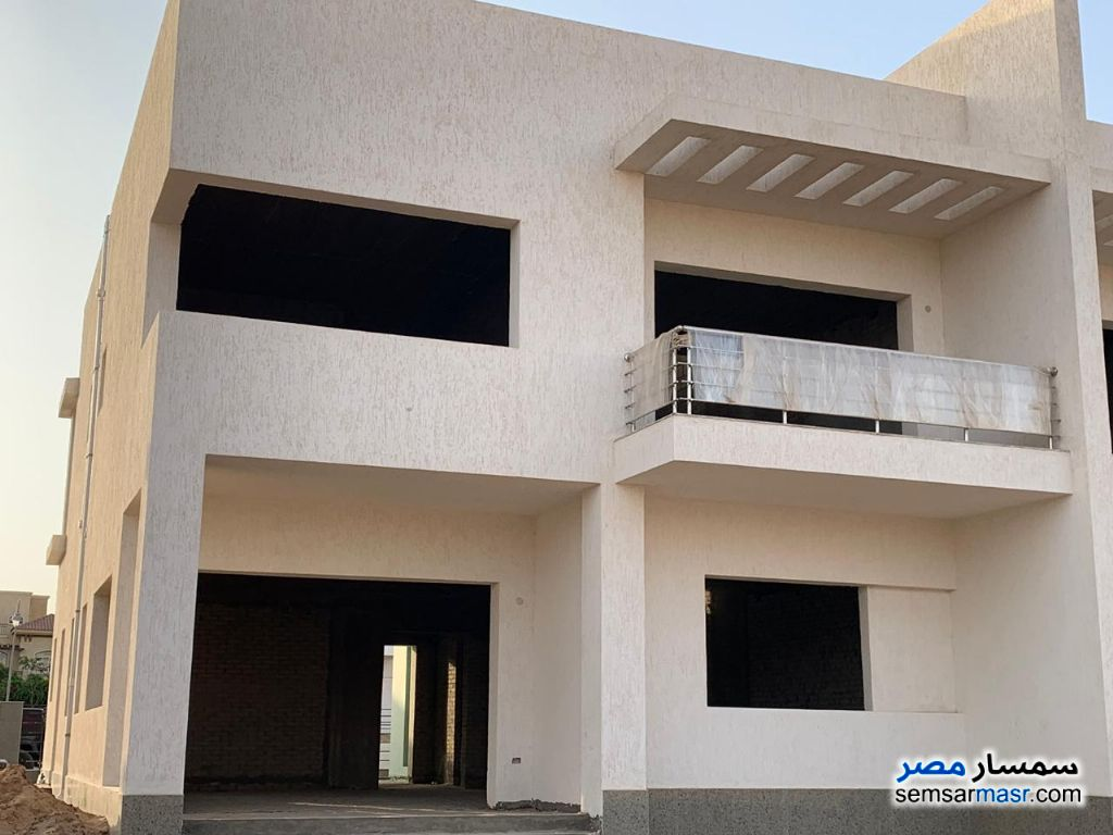 Photo 13 - Villa 3 bedrooms 3 baths 400 sqm without finish For Sale Madinaty Cairo
