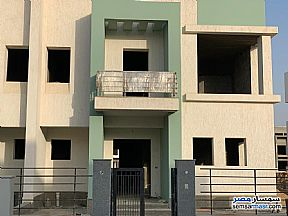 Ad Photo: Villa 3 bedrooms 3 baths 400 sqm without finish in Madinaty  Cairo