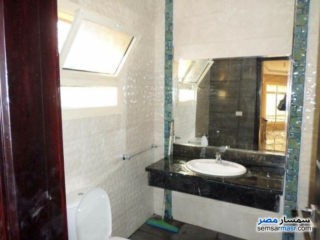 Ad Photo: Villa 4 bedrooms 4 baths 384 sqm extra super lux in El Motamayez District  6th of October