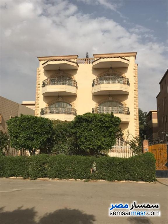 Photo 1 - Villa 10 bedrooms 8 baths 900 sqm super lux For Sale Shorouk City Cairo