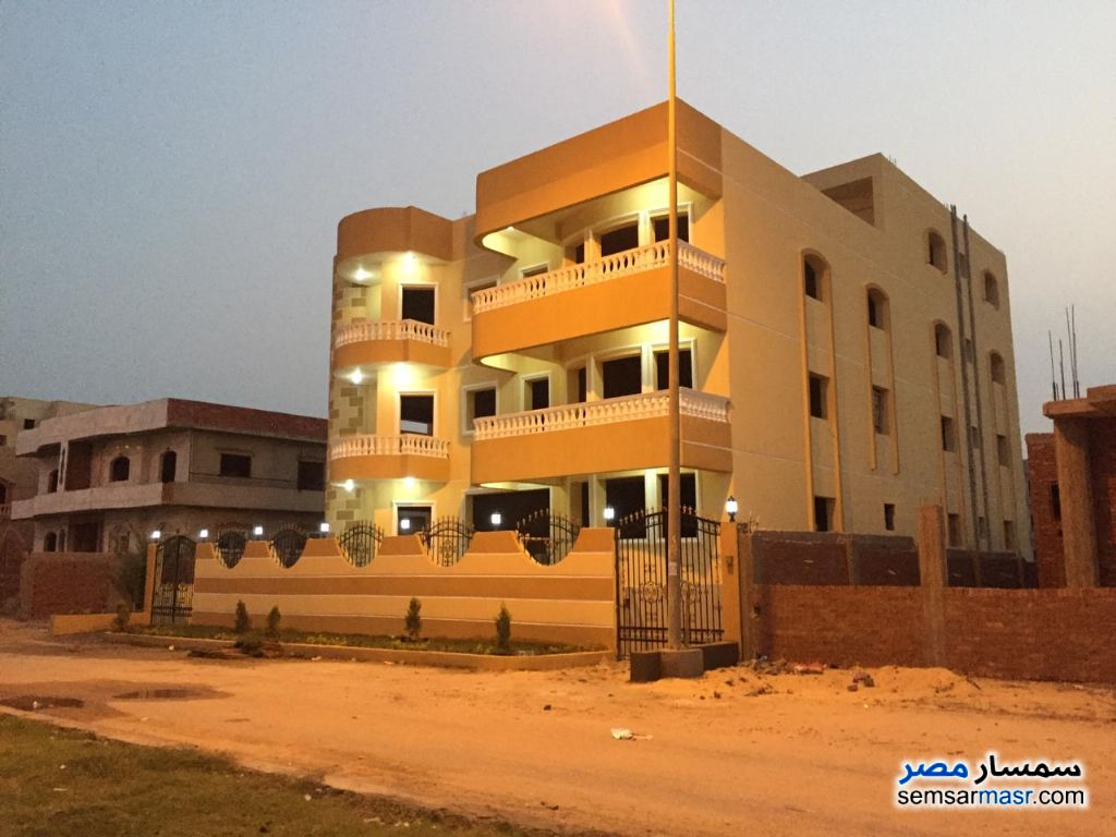 Ad Photo: Villa 32 bedrooms 18 baths 620 sqm semi finished in El Ubour City  Qalyubiyah
