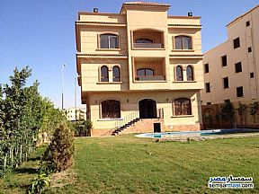 Ad Photo: Villa 10 bedrooms 5 baths 1000 sqm extra super lux in West Somid  6th of October