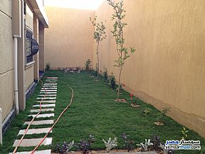 Ad Photo: Apartment 5 bedrooms 3 baths 298 sqm semi finished in Shorouk City  Cairo