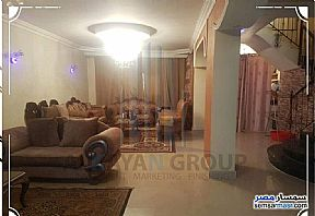 Ad Photo: Apartment 4 bedrooms 3 baths 315 sqm extra super lux in Hadayek Al Ahram  Giza