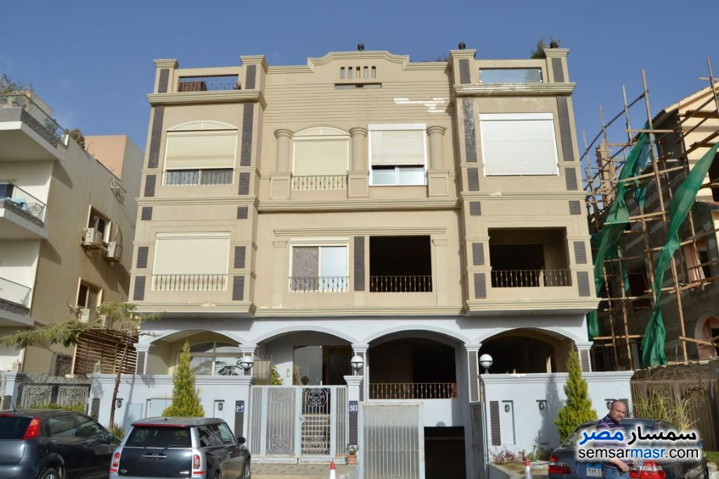 Ad Photo: Apartment 4 bedrooms 4 baths 370 sqm without finish in Fifth Settlement  Cairo
