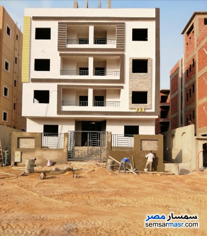 Ad Photo: Apartment 3 bedrooms 3 baths 250 sqm semi finished in October Gardens  6th of October