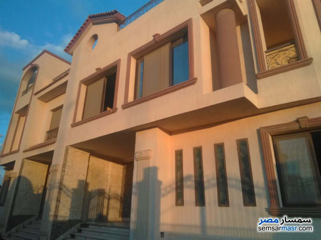 Ad Photo: Building 600 sqm semi finished in El Motamayez District  6th of October
