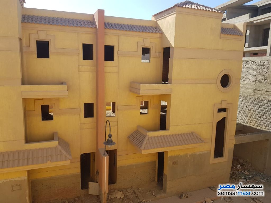 Ad Photo: Villa 3 bedrooms 3 baths 500 sqm without finish in Markaz Al Giza  Giza
