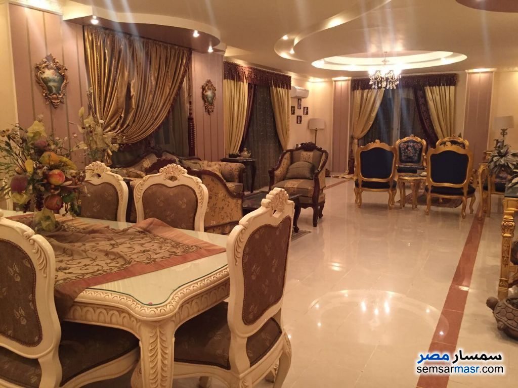 Photo 11 - Villa 20 bedrooms 12 baths 600 sqm extra super lux For Sale First Settlement Cairo