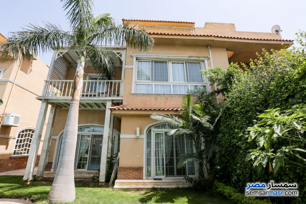 Ad Photo: Villa 5 bedrooms 4 baths 330 sqm extra super lux in Moharam Bik  Alexandira