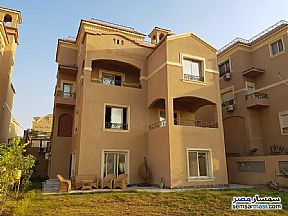 Ad Photo: Villa 8 bedrooms 6 baths 670 sqm extra super lux in Fifth Settlement  Cairo