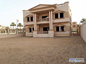 Ad Photo: Villa 4 bedrooms 2 baths 850 sqm lux in October Gardens  6th of October