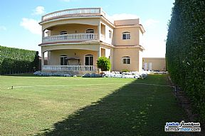 Ad Photo: Villa 5 bedrooms 3 baths 320 sqm extra super lux in North Coast  Alexandira