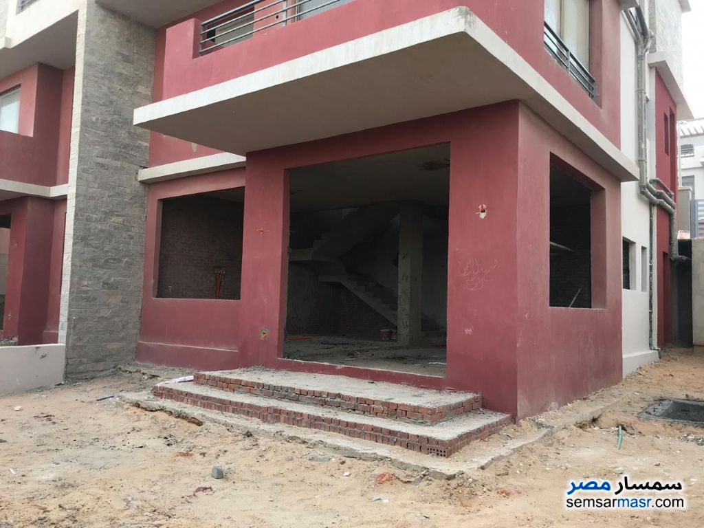 Photo 2 - Villa 4 bedrooms 3 baths 340 sqm without finish For Sale Sheikh Zayed 6th of October
