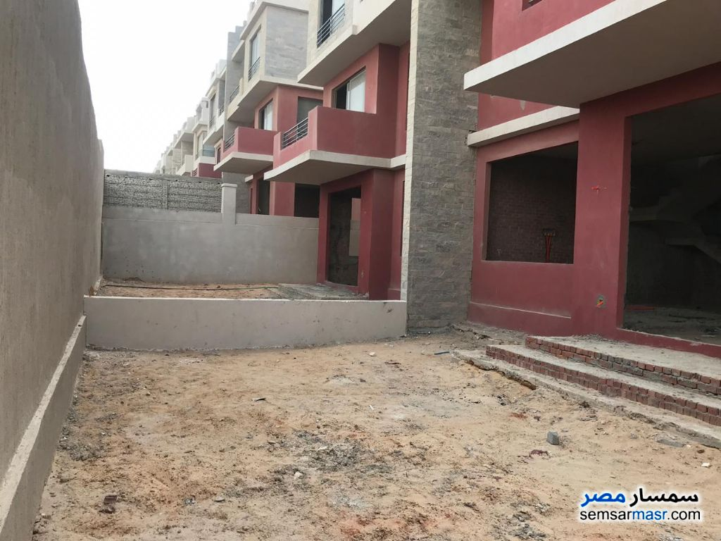 Photo 3 - Villa 4 bedrooms 3 baths 340 sqm without finish For Sale Sheikh Zayed 6th of October