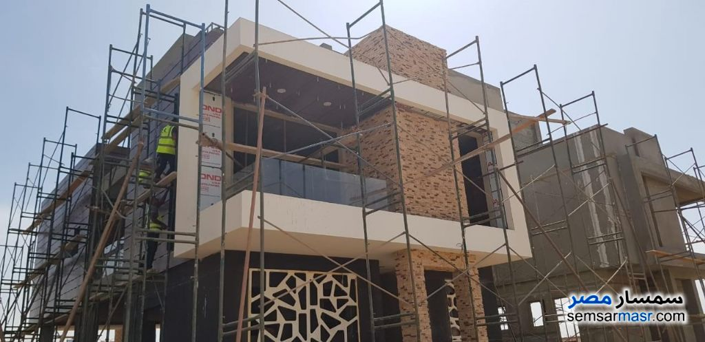 Ad Photo: Villa 4 bedrooms 4 baths 300 sqm without finish in New Capital  Cairo