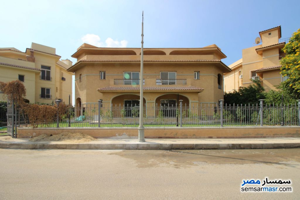 Ad Photo: Villa 7 bedrooms 6 baths 750 sqm extra super lux in Kafr Abdo  Alexandira