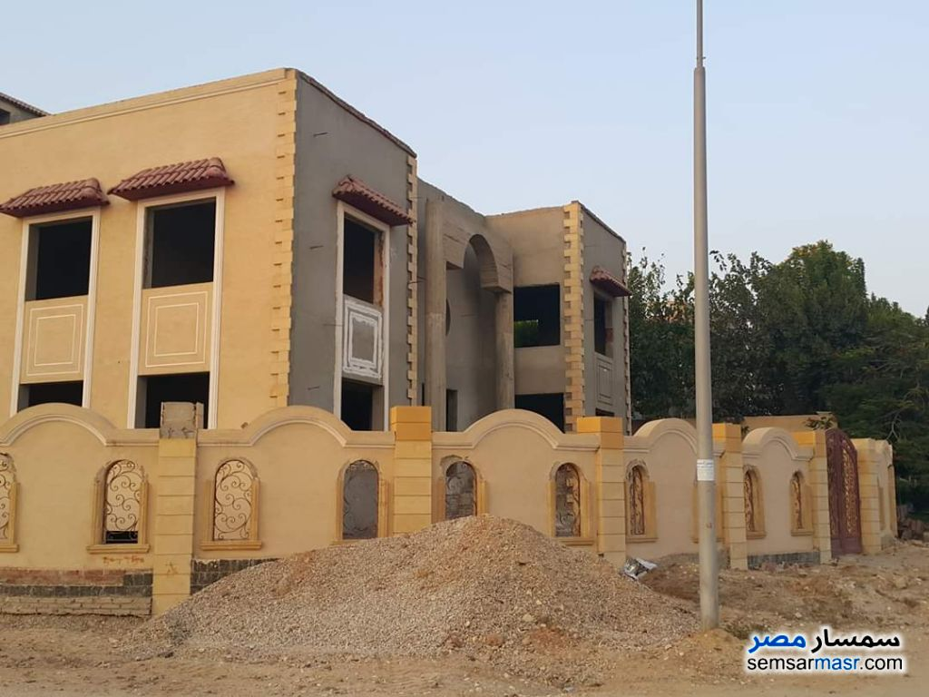 Ad Photo: Villa 5 bedrooms 2 baths 960 sqm semi finished in El Ubour City  Qalyubiyah