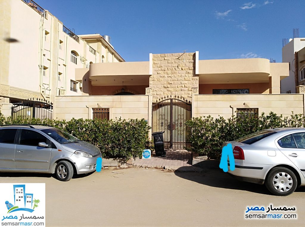 Ad Photo: Villa 5 bedrooms 4 baths 648 sqm in Shorouk City  Cairo