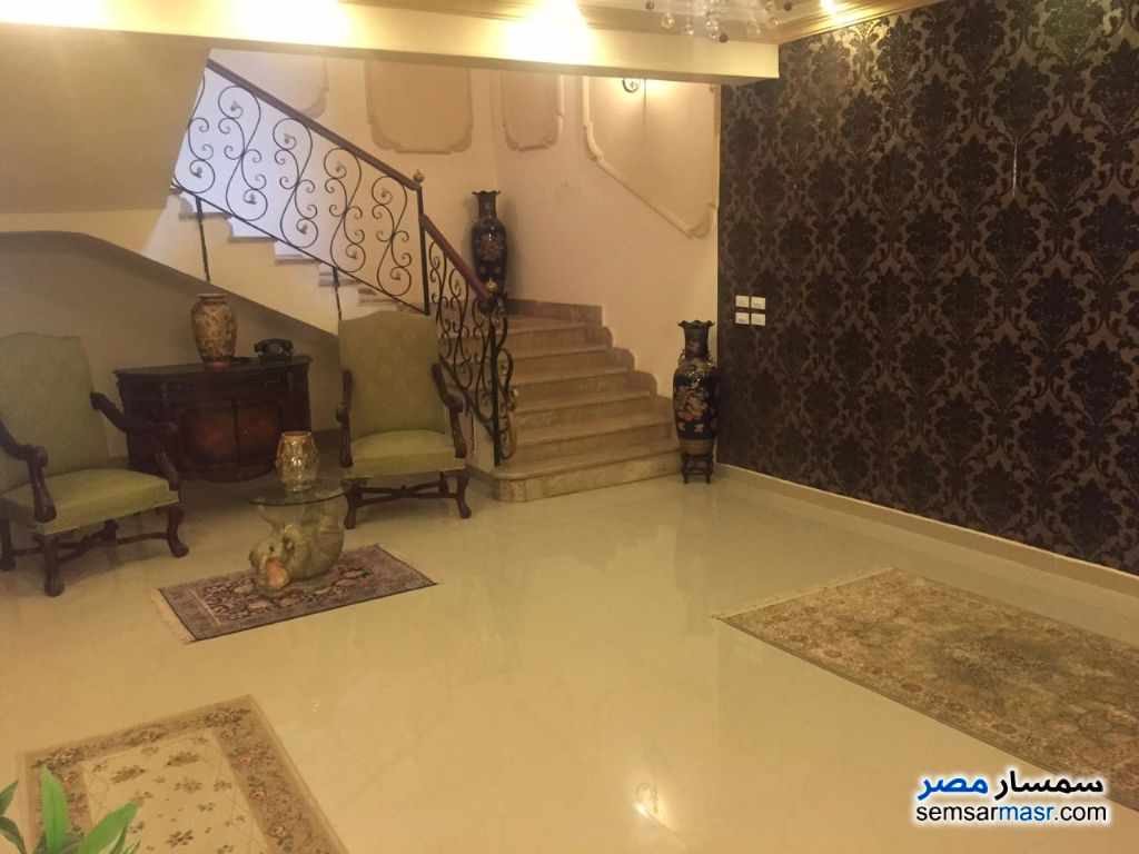 Ad Photo: Villa 5 bedrooms 5 baths 648 sqm extra super lux in Shorouk City  Cairo
