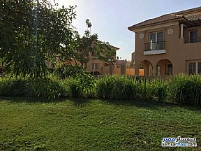 Ad Photo: Villa 3 bedrooms 3 baths 265 sqm extra super lux in Shorouk City  Cairo
